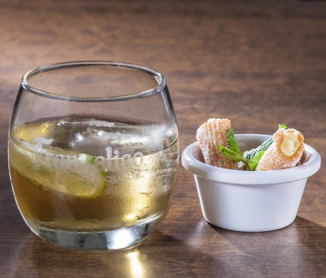 Frangelico Soda Lime e cannolis de limão siciliano_Crédito Caio Ferrari